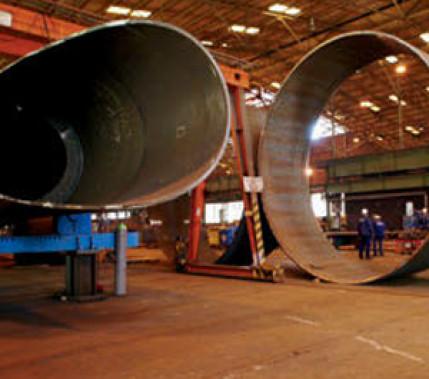 Zuverlässig und komplett: Schweißen von Offshore-Windenergieanlagen-Komponenten
