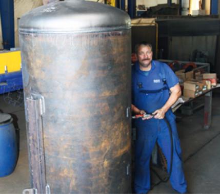 Mit hoher Produktivität Behälter schweißen: Metall-Schutzgasschweißen statt Wolfram-Inertgasschweißen im Behälterbau