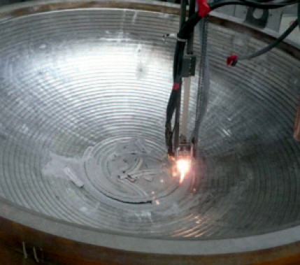 Herausforderungen im Detail: Teilerneuerung eines plattierten Rührbehälters