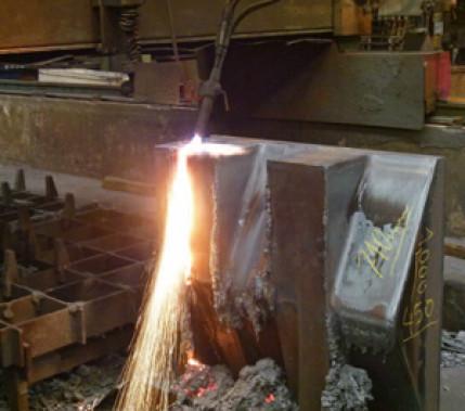 """""""Brennen"""" statt Fräsen – auch bei komplexen Geometrien: 20 optimierte Werkstückkosten durch hohe Abtragsraten beim Brennschneiden"""