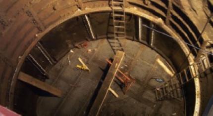 Explosionsfestes Verschließen zweier Bergwerksschächte: Alt und neu im Betonverguss