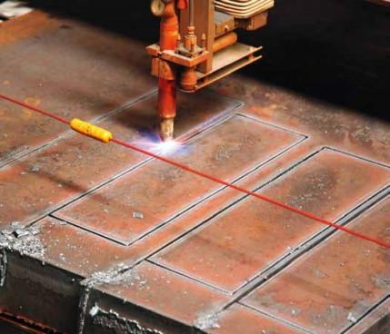 Höherer Automatisierungsgrad, bessere Qualität: Schweizer Stahlhändler Ferroflex mondernisiert Zuschnitt