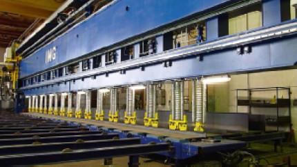 Laserstrahl-MSG-Hybridschweißen im Schiffbau - beidseitiges Kehlnahtschweißen von Profilen: Einblick in die Technik