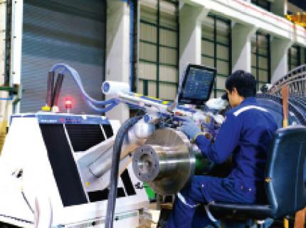 Reparatur eines Dampfturbinenrotors durch Impuls-Laserstrahlschweißen in Thailand: Schweißen verbindet