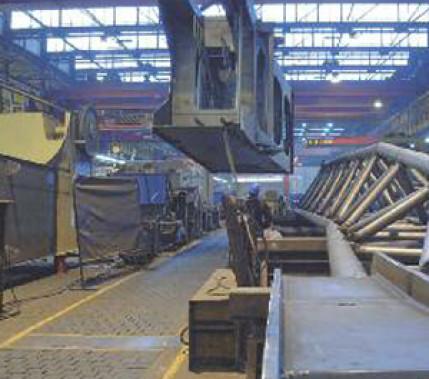 Qualität rauf, Kosten runter: Schweißen von Hand im Hafenkranbau mit einer MAG-Verfahrensvariante