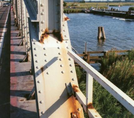 Ein-Blick in die Normung: DIN 18800-7, DIN EN 1993-1, DIN EN 1090-2 und der Korrosionsschutz von Stahlbauten
