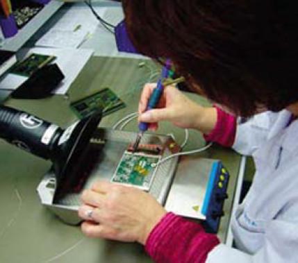 Löten in Theorie und Praxis: Ausbildung zur Handlötarbeitskraft in der Elektronikfertigung