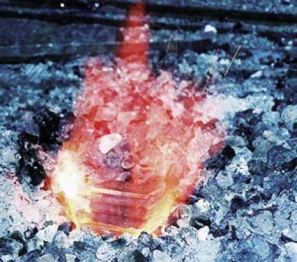 Am Anfang war das Feuerschweißen: Geschichte und Technik des Feuerschweißens