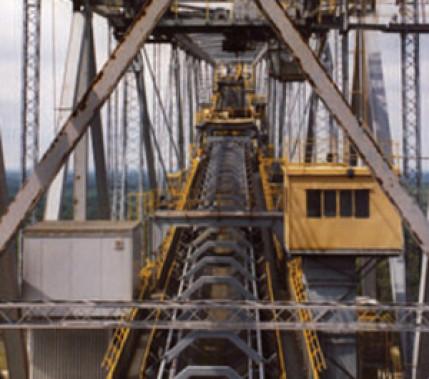 """Der liegende Eiffelturm: Geschraubt und geschweißt – die Abraumförderbrücke """"F 60"""""""