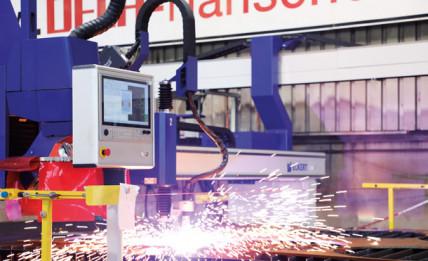 DELA Flanschen modernisiert den Maschinenpark der Zuschnittfertigung